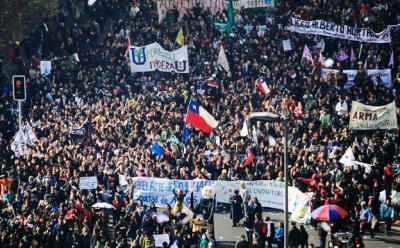 20111013175640-estudiantes-chile-ap.jpg